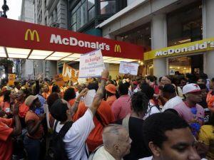 1386007074000-AP-Fast-Food-Protests-001